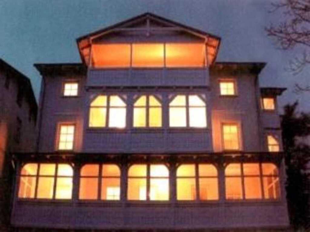 Villa Katharina - Bäderstil-Villa mit Meerblick, Appartement Nr. 7 'Königsstuhl' mit Balkon und Seeb