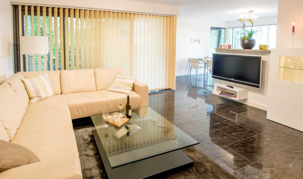 exklusive ferienwohnung mit wasserblick ferienwohnung meierwik in gl cksburg schleswig holstein. Black Bedroom Furniture Sets. Home Design Ideas