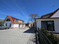 Zollhaus Klein Zicker - exklusive Wohnungen mit Meerblick, Ferienwohnung 01 mit Südterrasse und Meer in Klein Zicker - kleines Detailbild