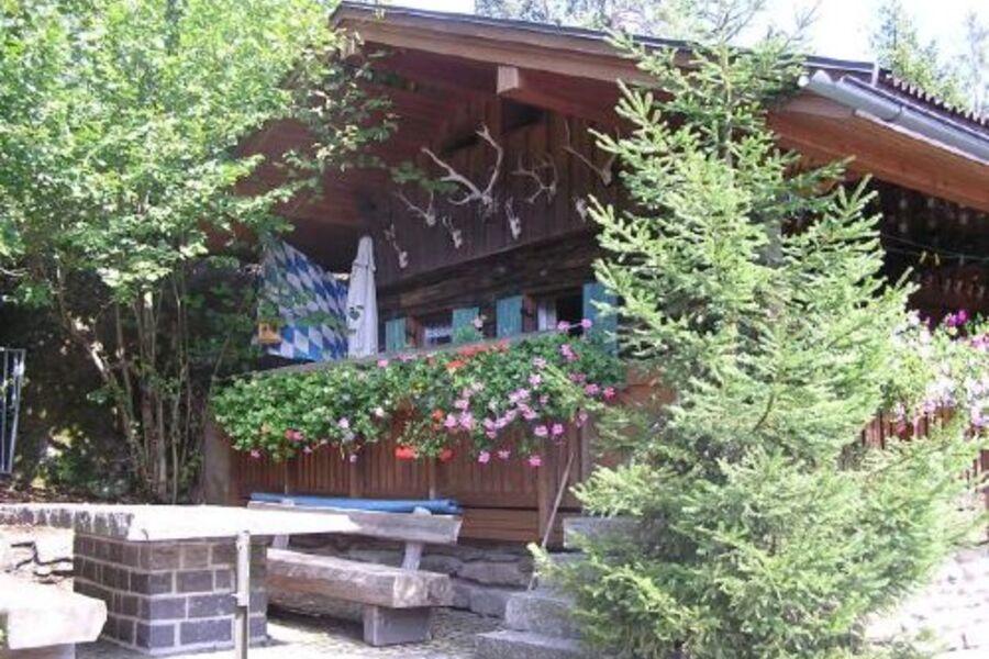 Jägerhütte im Sommer