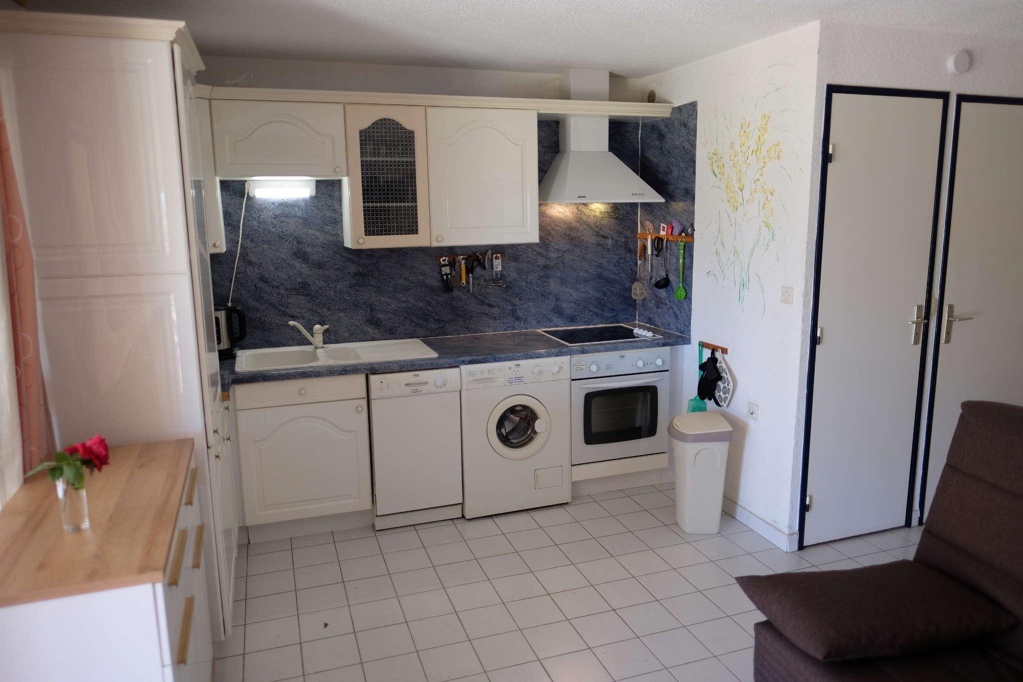 ferienwohnung 39 mers du sud 39 c 1 in gruissan les ayguades. Black Bedroom Furniture Sets. Home Design Ideas