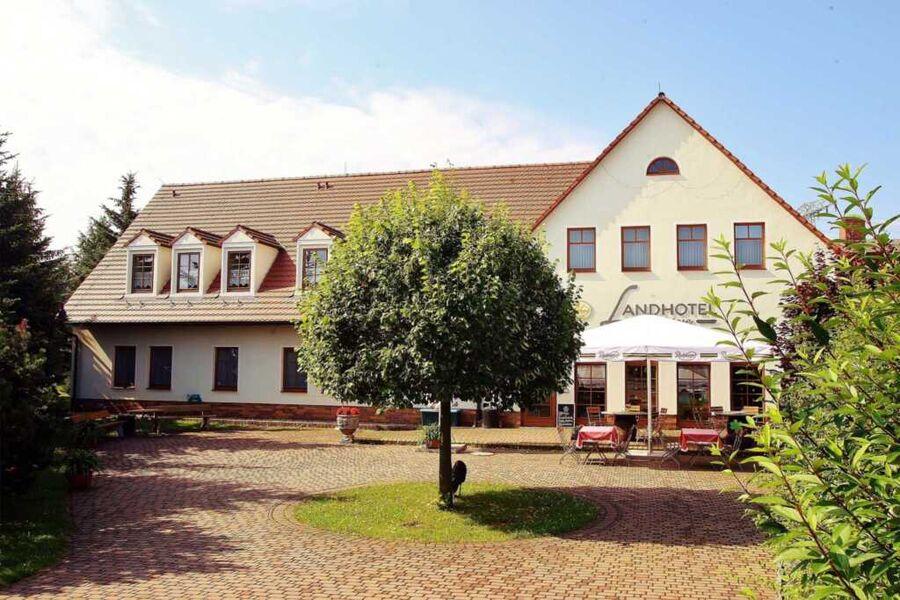 Ihr Landhotel Neuwiese mit Tradition