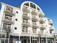 HOTEL AM MEER & SPA, Galeriezimmer seitlicher Meerblick und Balkon in Binz (Ostseebad) - kleines Detailbild