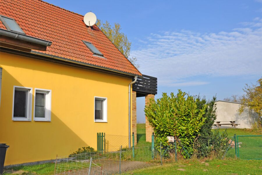 Außenansicht Haus mit 2 Ferienwohnungen