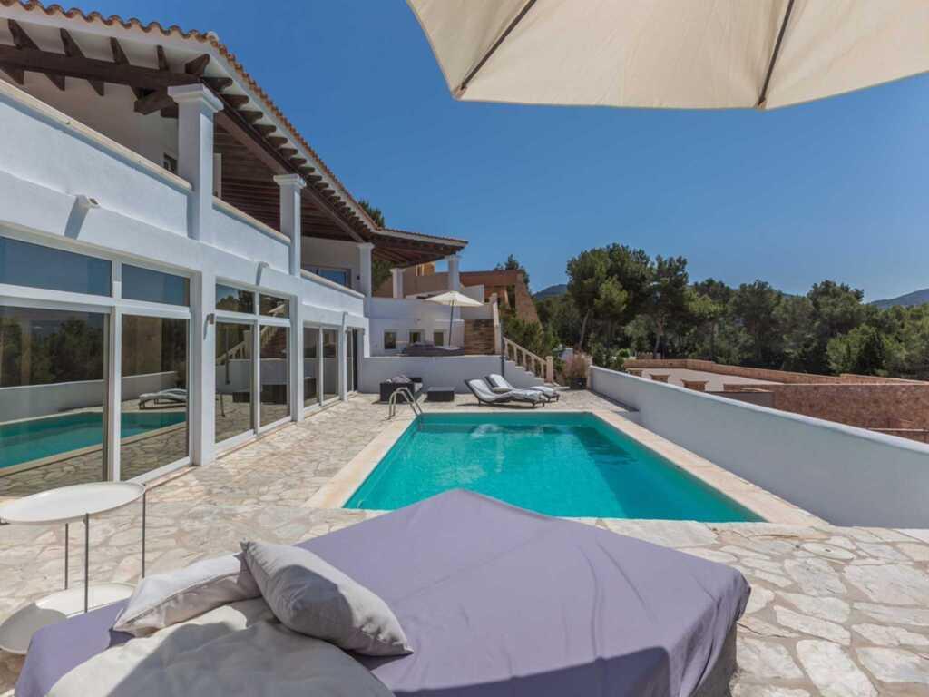 109 Grosses, modernes Haus in der Cala Carbo, neu in Cala Carbo ...