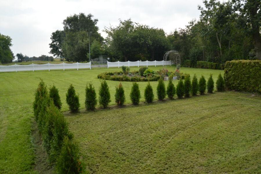 Blick über Garten und Weide