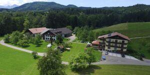 Bauernhof Familie Nußbaumer, Ferienzimmer Veilchen, Gänseblümchen, Schlüsselblume in Nußdorf am Attersee - kleines Detailbild