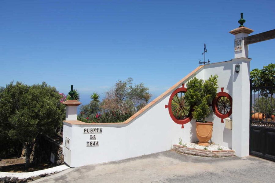 Einfahrt im andalusischen Stil