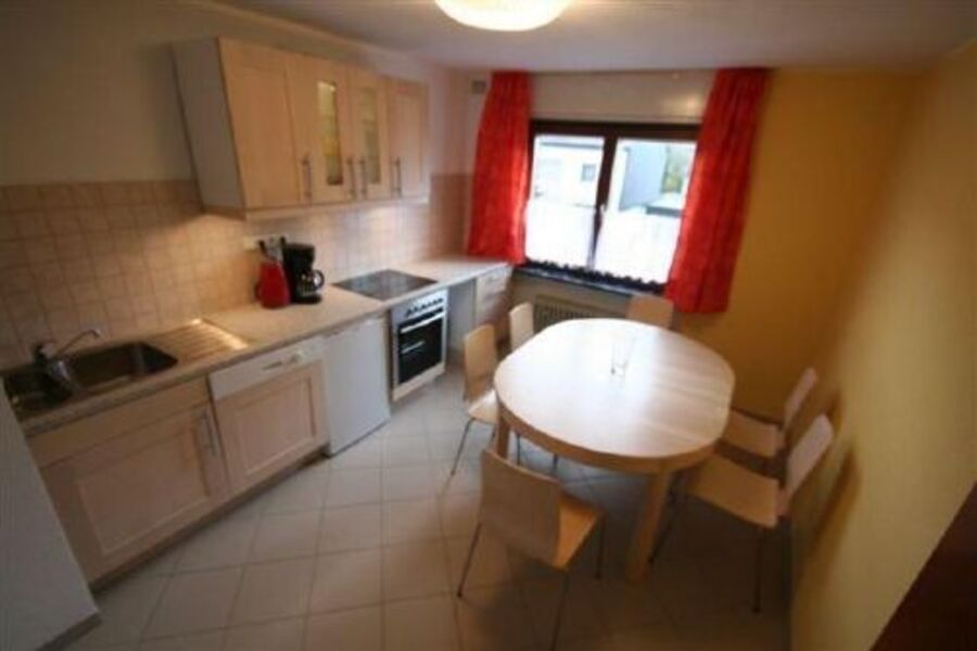 Küche der großen Wohnung