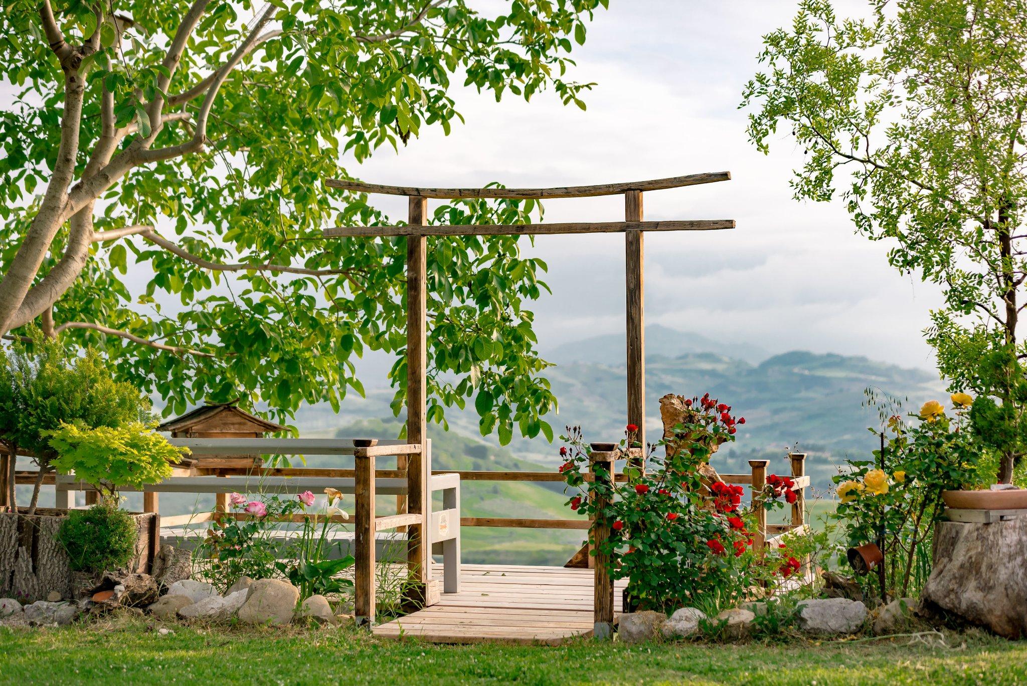 Terrasse mit Blick auf das Bergmassiv