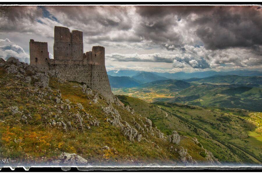 Rocca Calascio ( der Name der Rose )