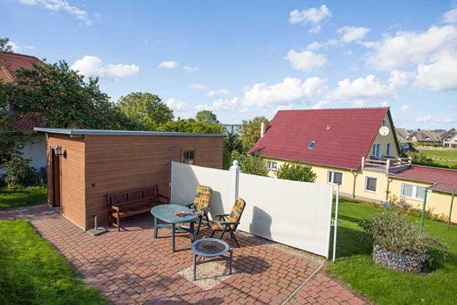 Terrasse und Garten der F-1098 Lavendel