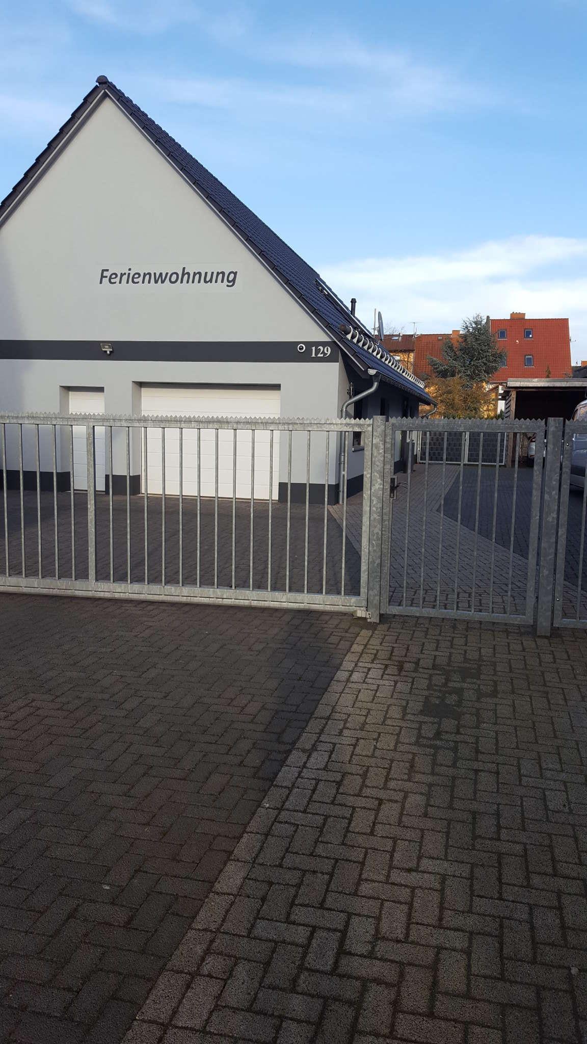 PKW-Stellplatz: abgeschlossenes Gelände