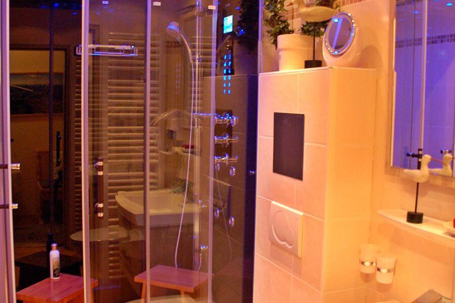 Luxus-Bad mit Dampfdusche für 2 Pers....