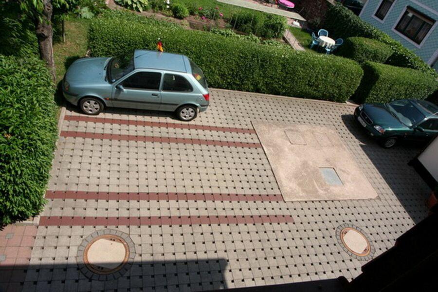Parkplatz für unsere Gäste auf unserem abgeschloss