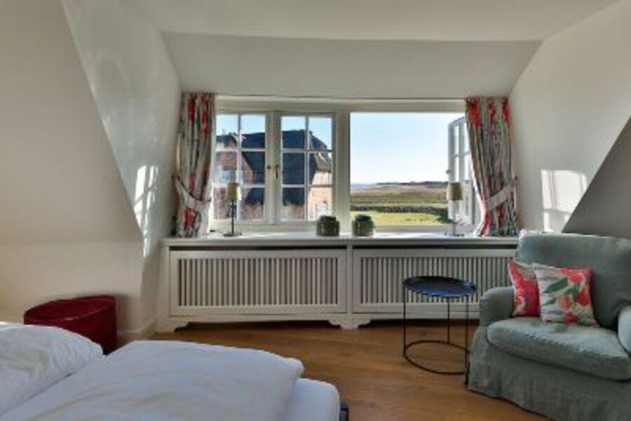 Masterbedroom mit Blick zum Wattenmeer