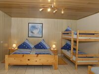 Gästehaus Harald Schiff, Mehrbettzimmer mit Dusche und WC in Rust - kleines Detailbild