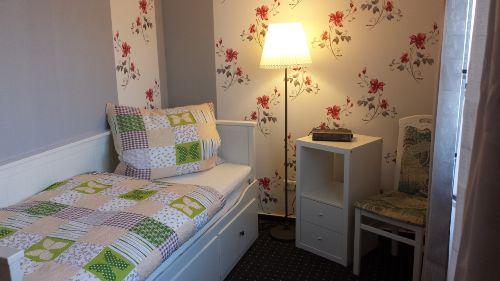 2 Schlafzimmer mit Einzel-bzw.Doppelbett