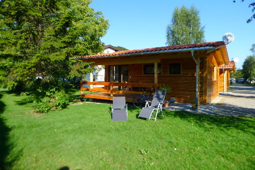 wagnerhof bungalows in bergen bayern campingplatz wagnerhof. Black Bedroom Furniture Sets. Home Design Ideas