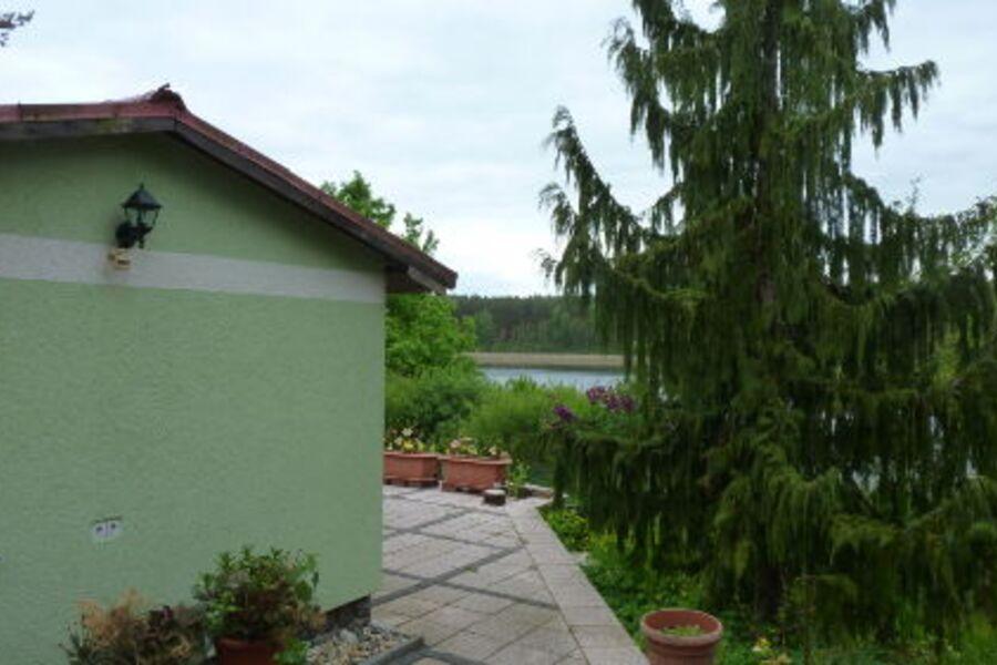 Bungalow und Terrasse