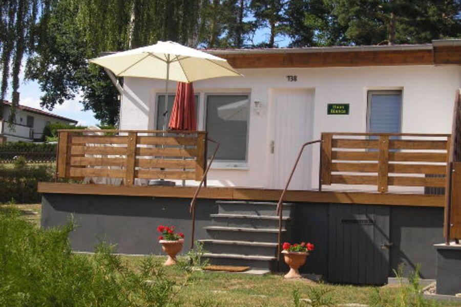 Terrasse mit Eingang zum Ferienhaus