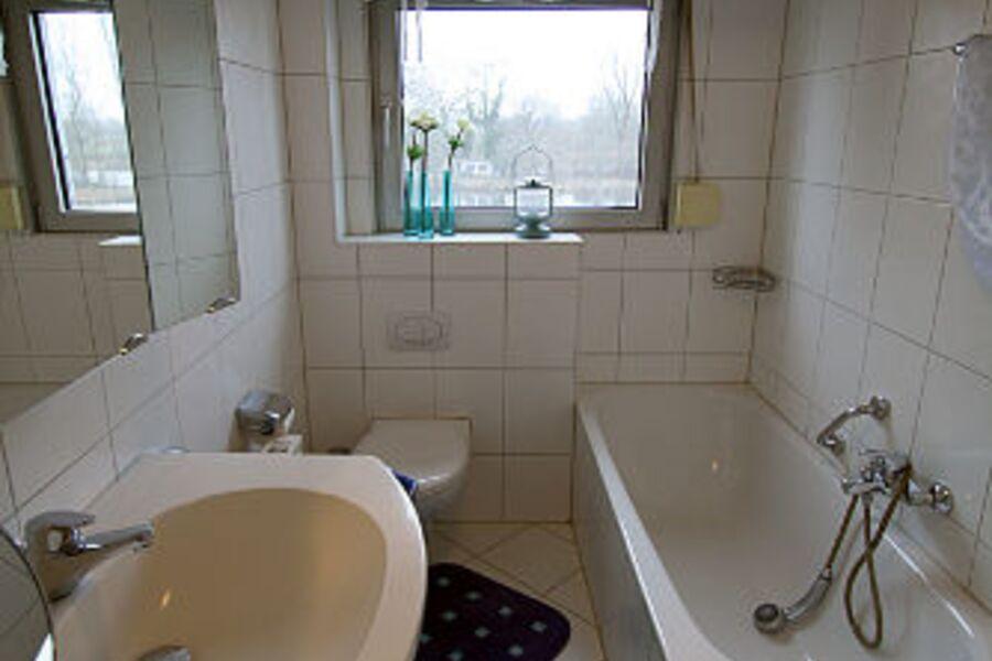 Badezimmer mit Seeblick