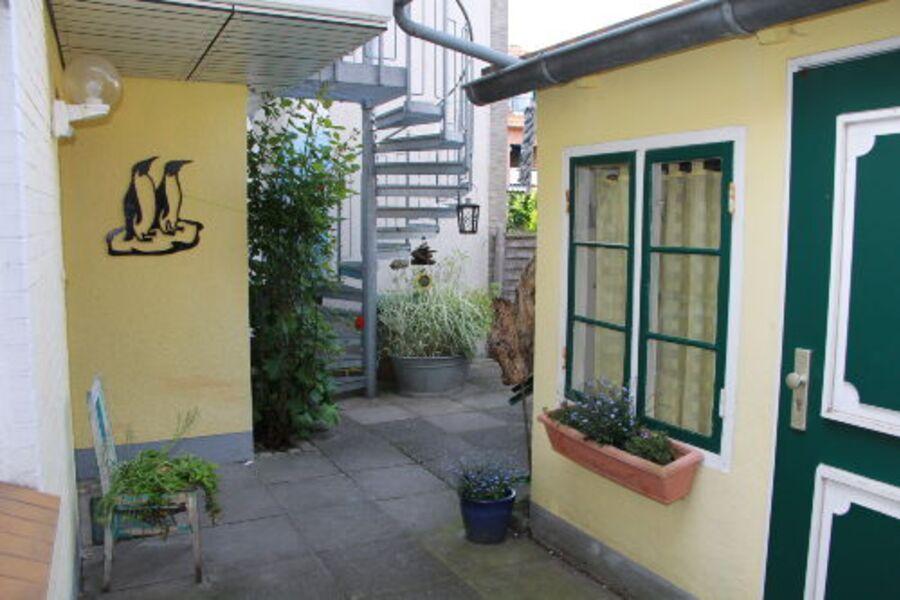 Eingangsbereich Garten und Wohnung