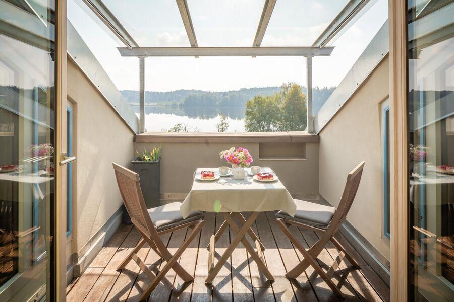 Dachterrasse mit Seeblick