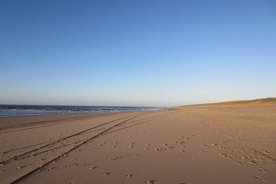 Der weitläufige Sandstrand