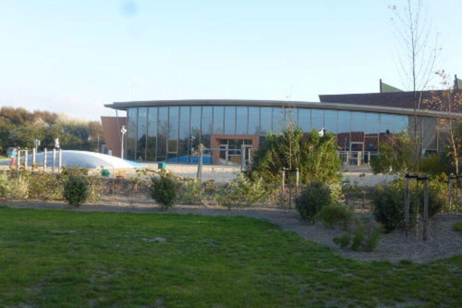 Parkzentrum mit Hallenbad und mehr
