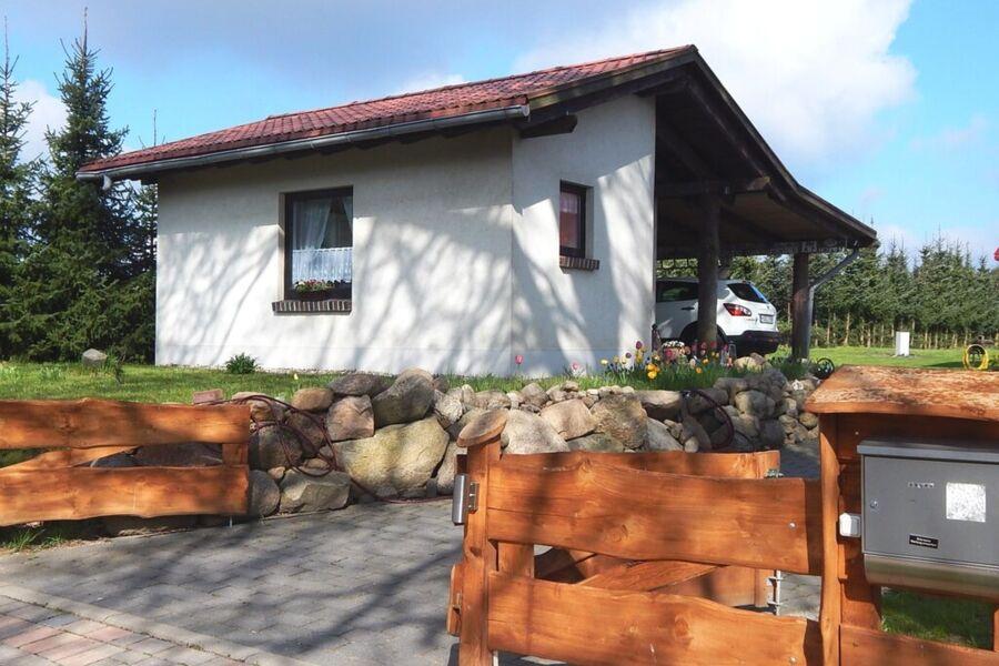 Ferienhaus mit Waldsauna am Kranichfeld, Ferienhau
