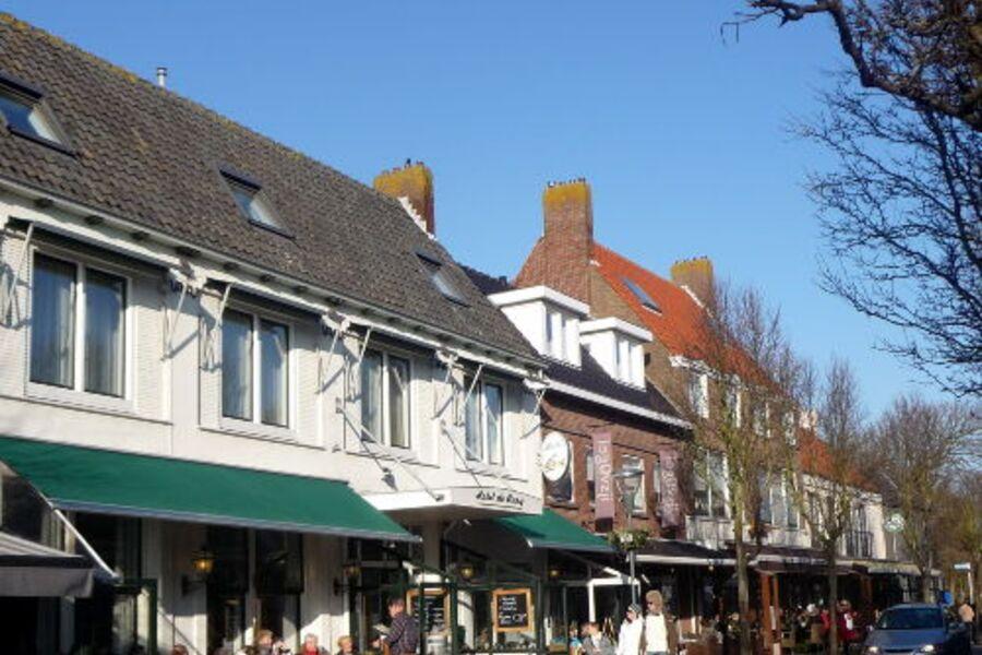 domburg mit seinen geselligen terrassjes