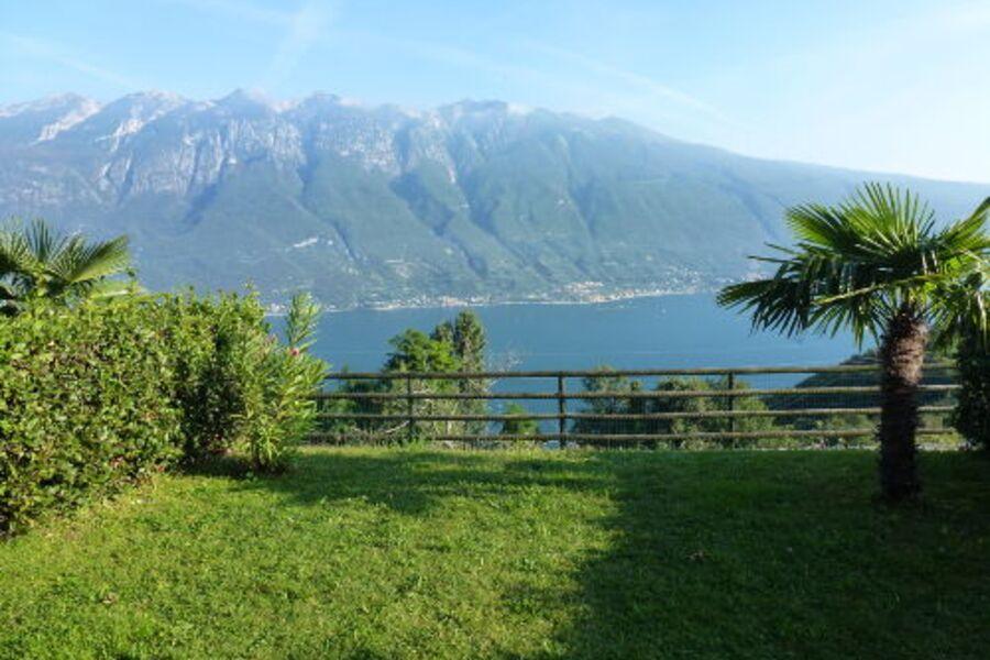 Blick auf Gardasee und Monte Baldo