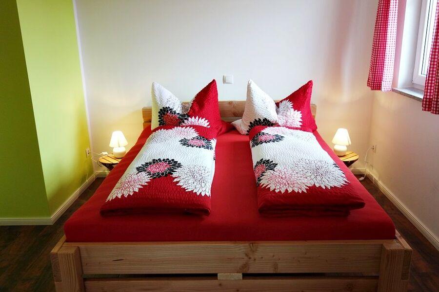Schlafz. mit Doppelbett + 1 x Einzelbett