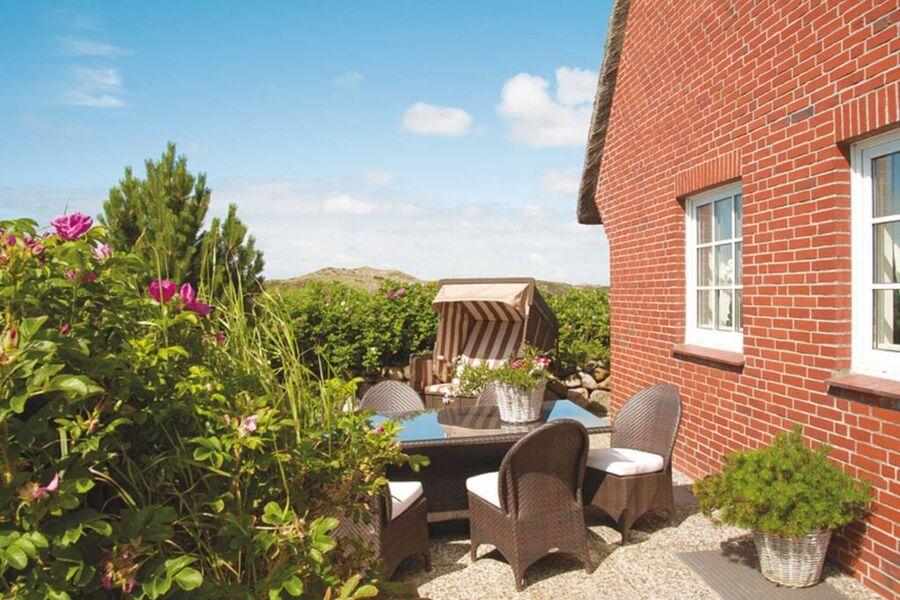 Strandkorbecke + Gartenmöbel + Terrasse