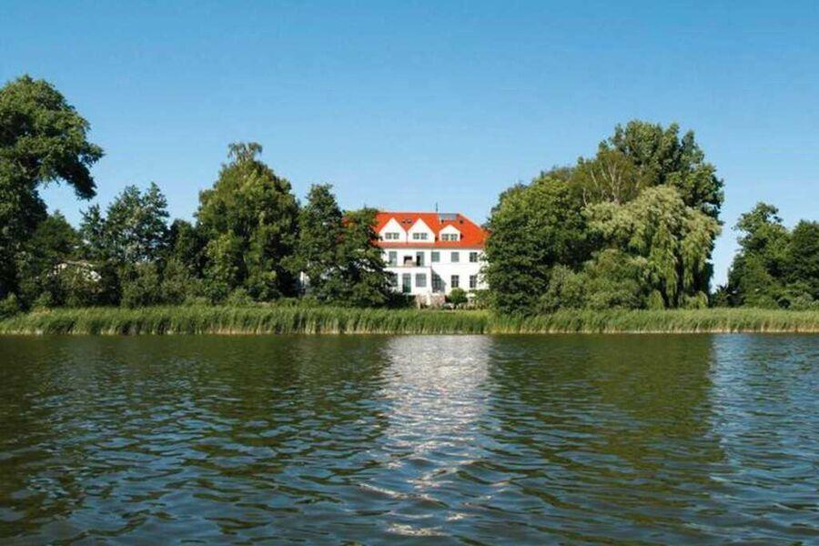 Schloss Duckwitz von der Seeseite