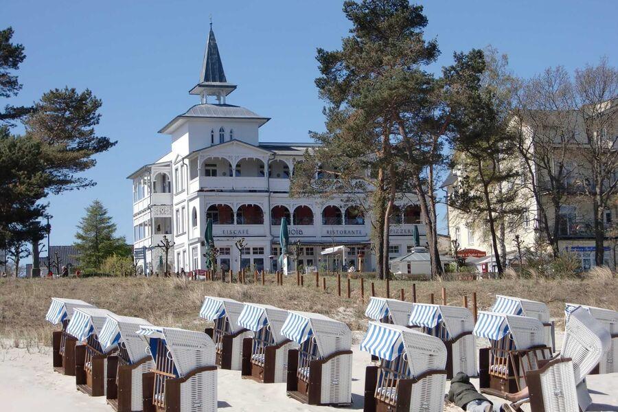 Villa Seeblick Binz vom Strand gesehen