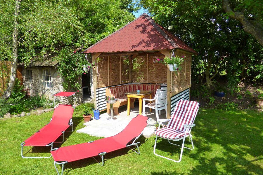 Gartenpavillon zum Grillen und Chillen