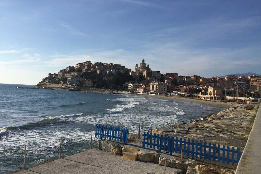 Romantisches Porto Maurizio am Meer