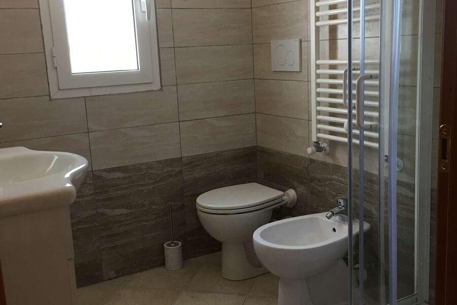 Geräumiges Duschbad Obergeschoss