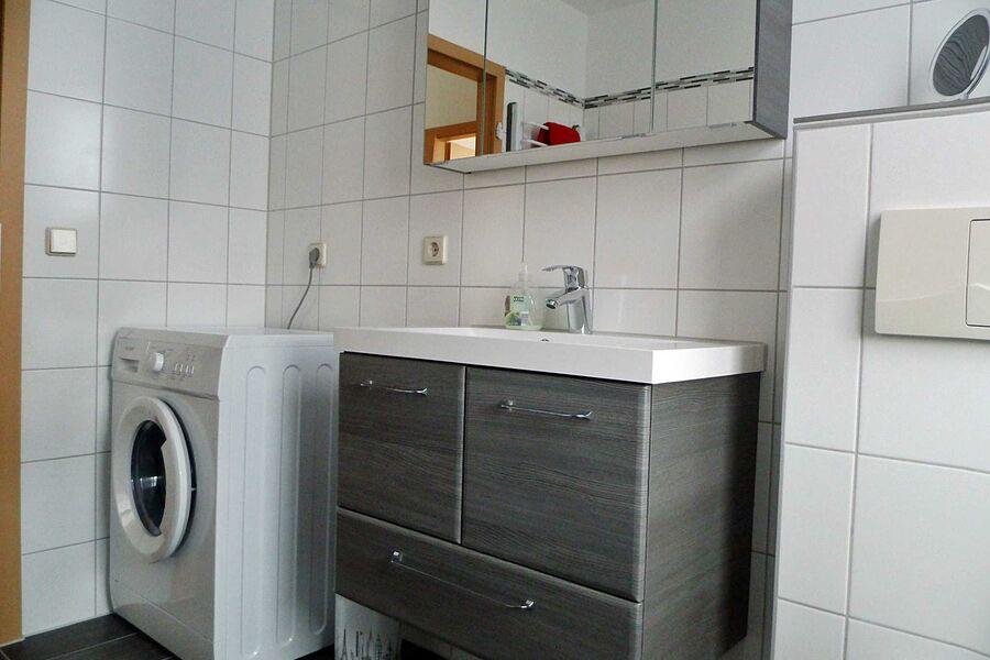 Bad mit Handtuchwärmer und Wäscheständer