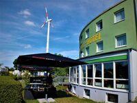 Highway-Hotel, Dreibettzimmer mit WC und Dusche-Bad in Herbolzheim - kleines Detailbild