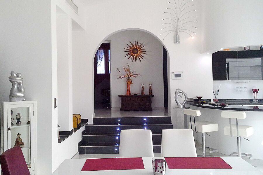 Eingang - Wohnzimmer