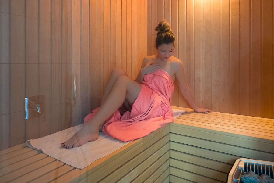 Schlafzimmer I mit bezogenen Betten