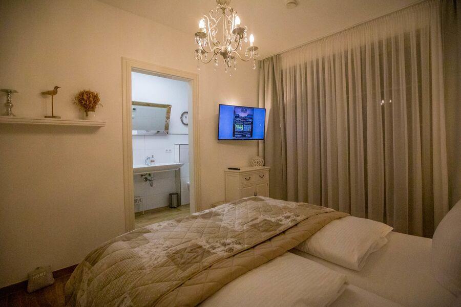 Das Schlafzimmer II mit eigenem Bad