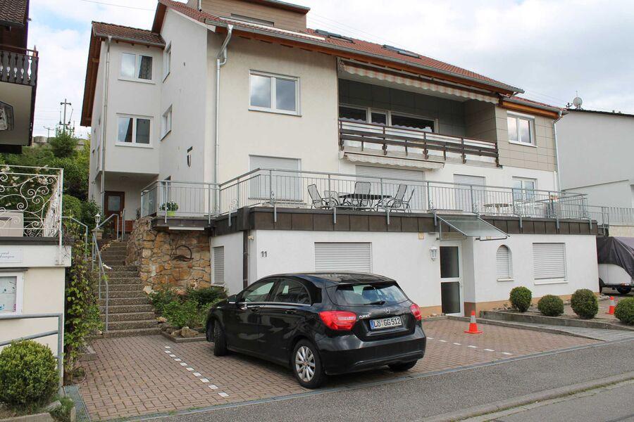 Apartmenthaus mit Fernsicht ins Rheintal