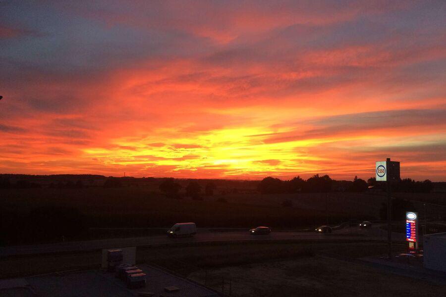 Ein Sonnenuntergang auf der Dachterrasse