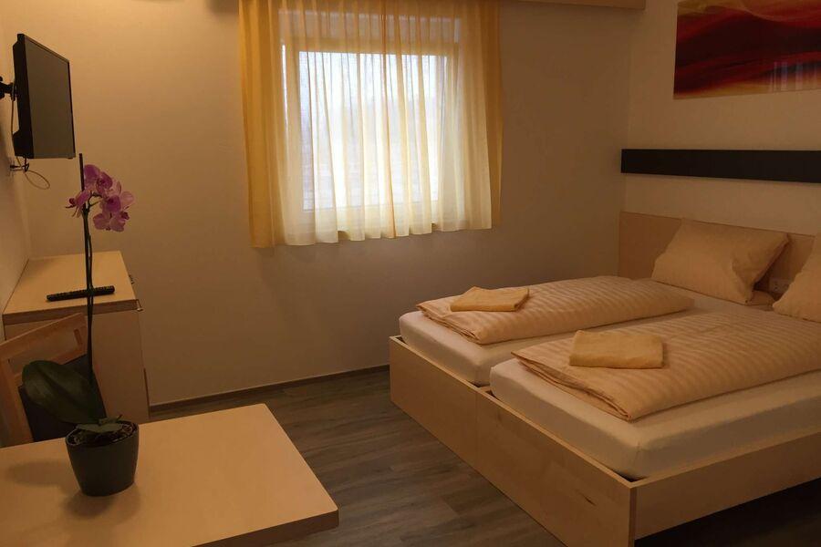 4 behindertengerechte Doppelzimmer