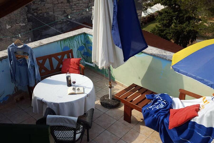 Terrasse mit Grilltisch
