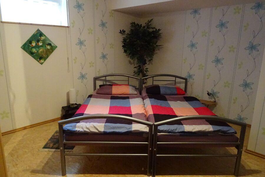 Schlafzimmer 2 mit zus. Schlafcouch